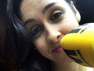 Nathália Araújo nos estúdios da Metrópole